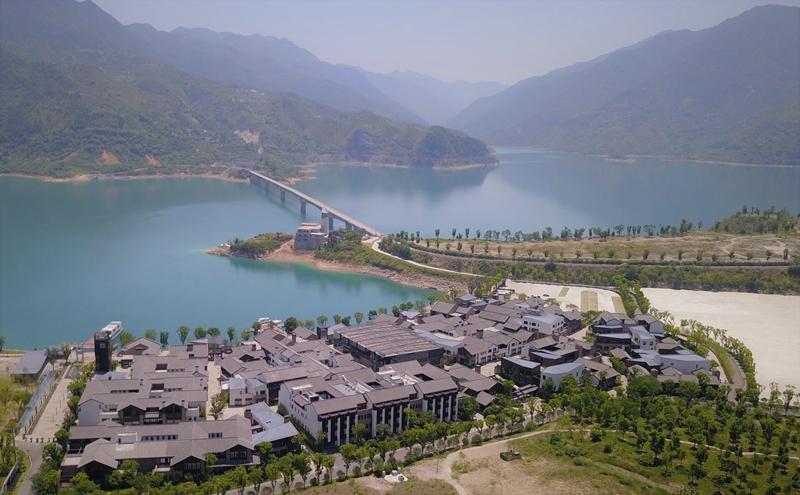 23青田-千峡湖生态旅游度假区.jpg