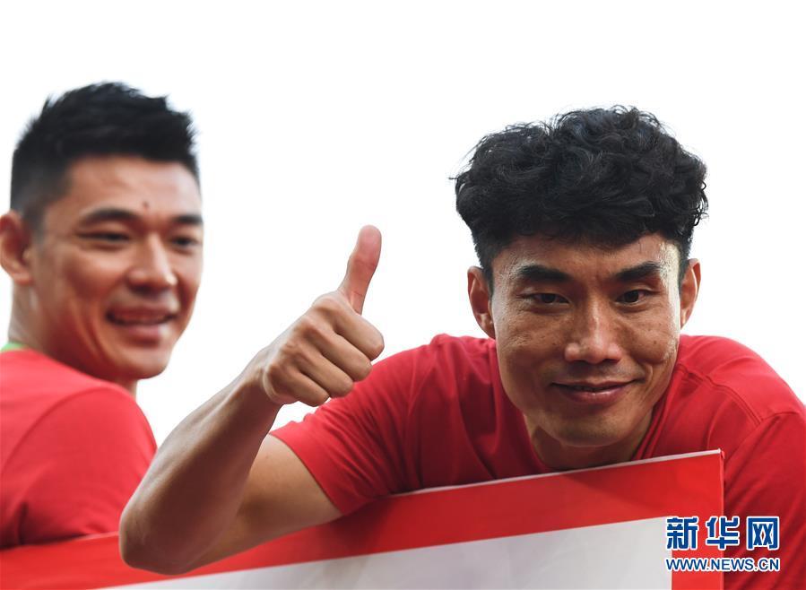 (体育)(52)足球——中超:广州恒大夺得第八冠