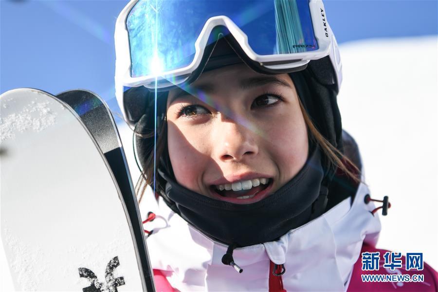 (体育)(13)自由式滑雪——女子U型场地决赛:中国选手谷爱凌夺冠